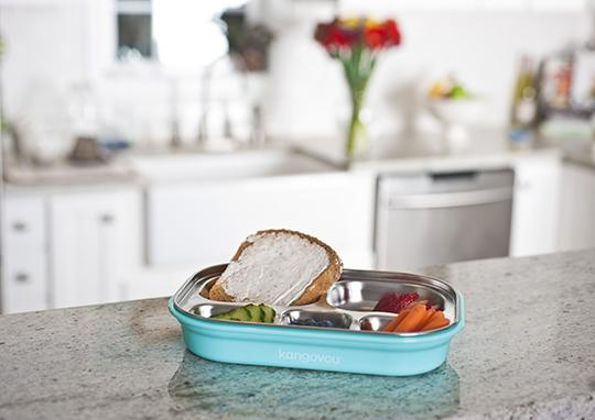 Frosted Blueberry compartment plate sold by Kangovou