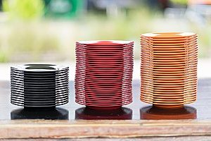 stacks of melamine dishware which contain harmful contaminants that are not found in bento lunch boxes