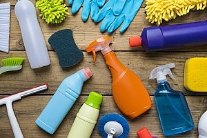 eco friendly cleaning products that are being used to clean a house