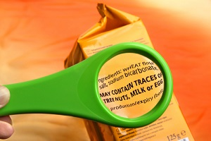 magnifying glass on food ingredients and additives label showing how are bento lunch boxes made